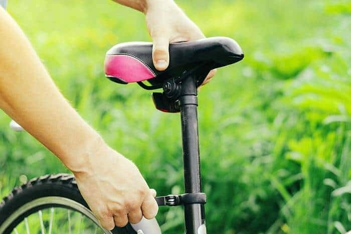 how high should my seat be on my mountain bike